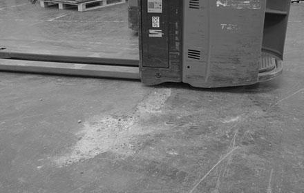 beschädigter Industrieboden